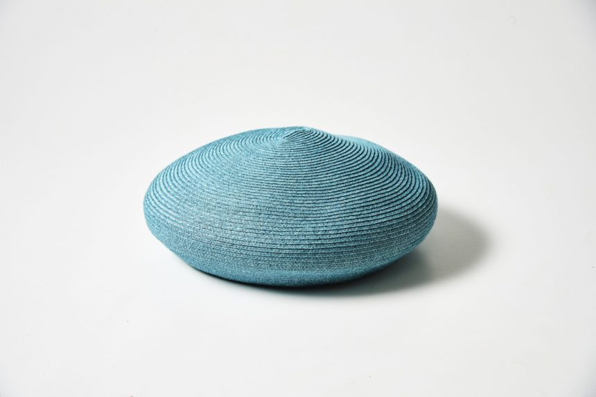 paper beret with perfume (blue)
