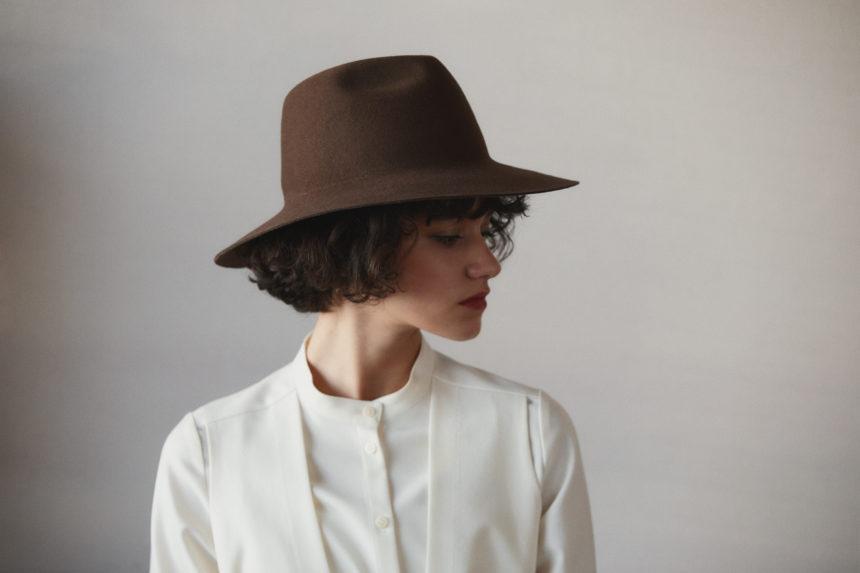 capeline hat(brown)